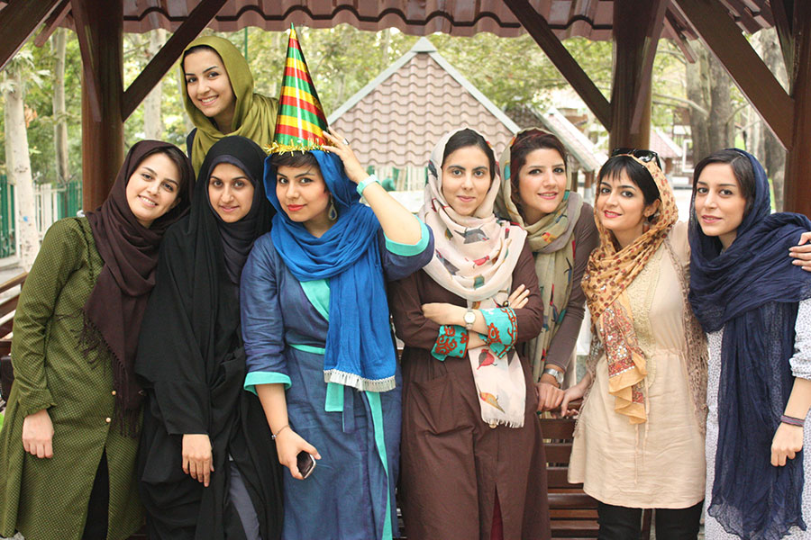 Unique Iran Women Dress Code  Golden Iran