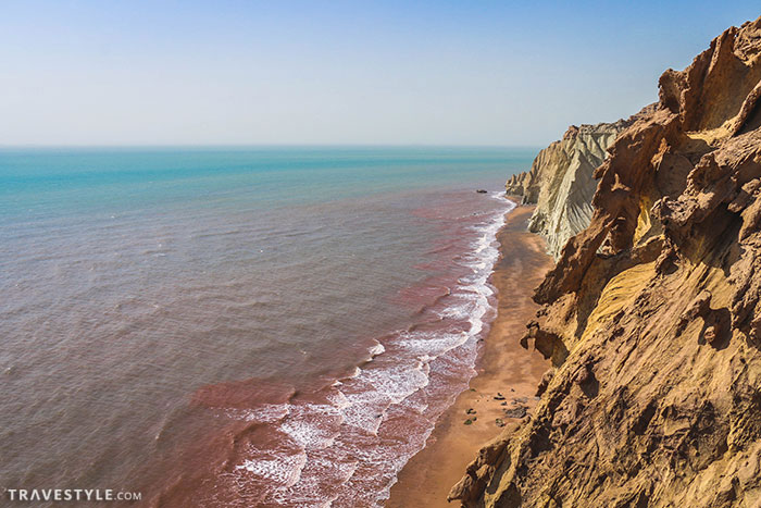 Discovering Hormoz, Iran's Red Island