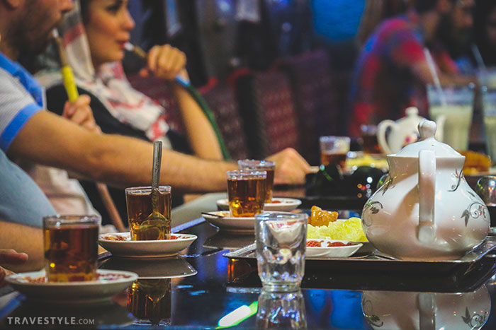 How & when to tip in Iran
