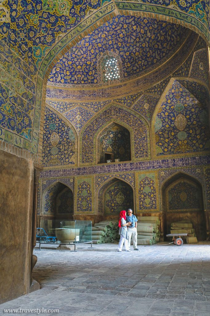 Naqsh-e Jahan: A full day at the world's most beautiful square in Esfahan!