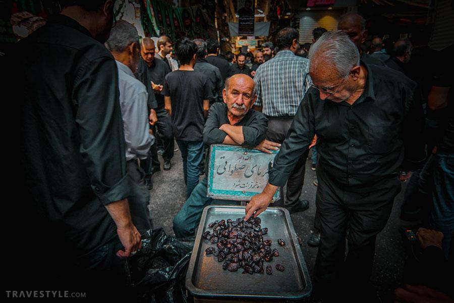 Distributing Nazri during Muharram in Iran