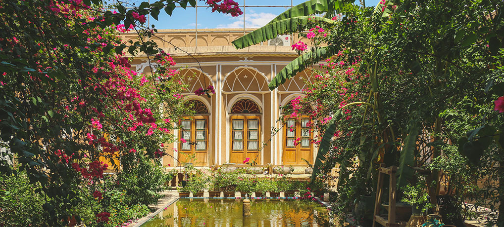 Assez Kohan Hotel in Yazd | Great Food and Accommodation | Travestyle PA48