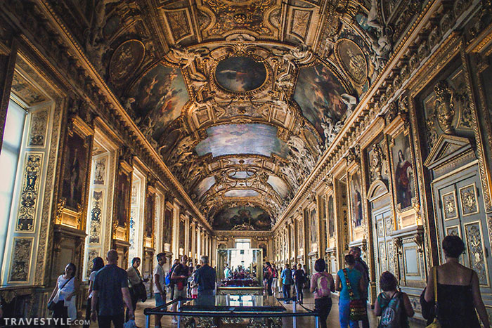 10 tips to survive a visit to the Louvre Museum