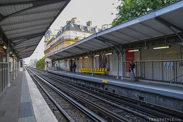 A Guide to Public Transportation in Paris