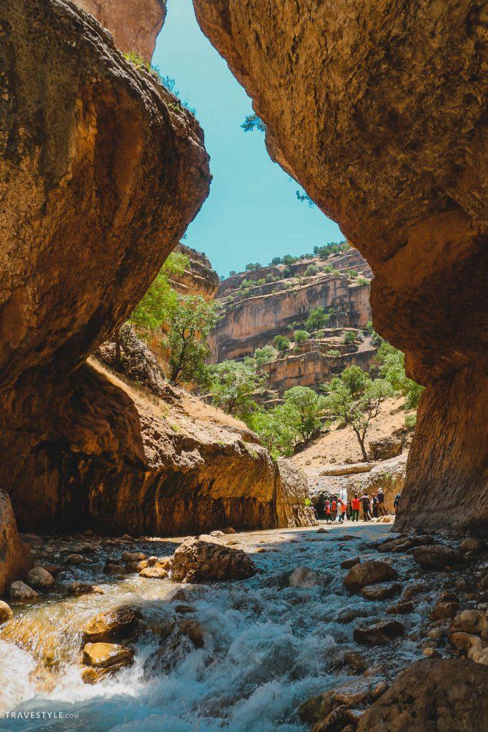 Hiking through Shirez Canyon