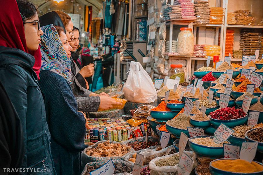 The spice section fo Vakil bazaar, Shiraz, Iran