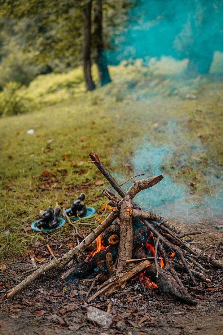 درست کردن آتش در کمپینگ طبیعت | لوازم کمپینگ